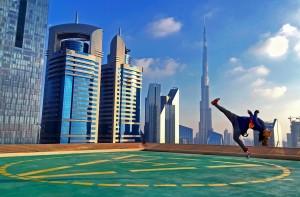 Pro-freerunner-Kick-it-burj-khalifa